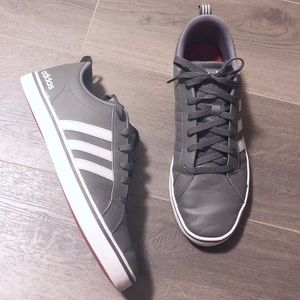 Too clean 🧼 🧽 stone gray and white adidas!!